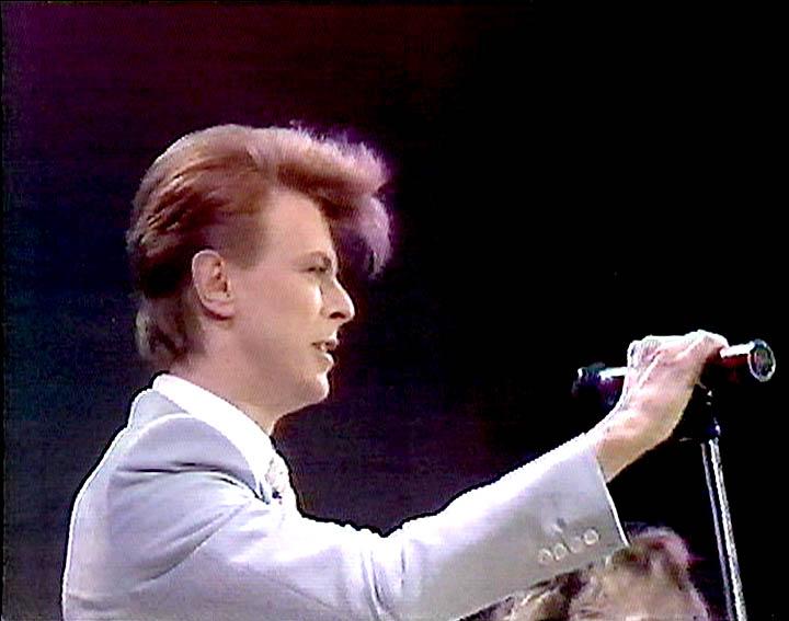 David Bowie, 1985 ~ Photo by Annie Leibovitz (avec images ... |David Bowie 1985